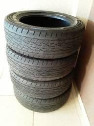 Vende-se 4 pneus semi novos