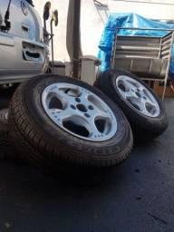 Jogo de Rodas aro 13 com pneus novos