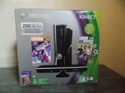 Xbox 360 Slim com 250 GB + kinect + 2 controles + Jogos