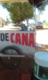 Vendo moedor de cana ou troco numa moto em dcanamuito boa contato 63999399457