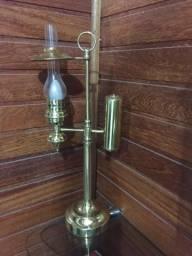 Luminária estilo antigo
