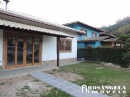 Locação - Casa em condomínio em Teresópolis no bairro Cascata do Imbui