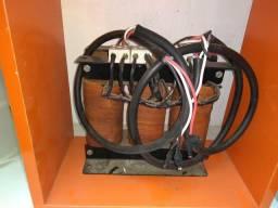 Transformador trifásico 380x220