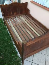 Cama caixão antiguissima
