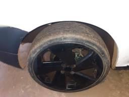 Roda aro 18 com pneus novos