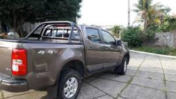 GM - Chevrolet S10 4x4 Automática Diesel - 2013