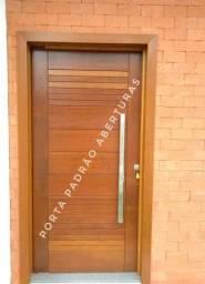 Portas de madeira maciça para Curitibanos