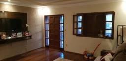 Vende-se amplo apartamento com 215m2 em Patos de Minas/MG