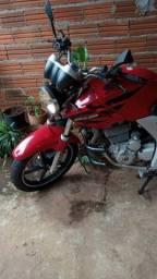 Moto Twister 250 cc vermelha 2002