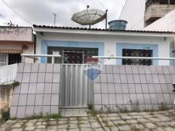 Casa com 3 dormitórios para alugar por R$ 500,00/mês - Aloísio Pinto - Garanhuns/PE