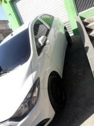 Carro Ônix 13,000