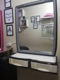 Bancada com espelho grande