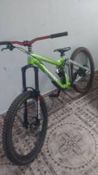 Bike Astro Agrecion tamanho S completa