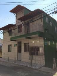 Kitnet pequena no Tororó - sem condomínio
