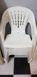 Cadeiras plásticas com braço