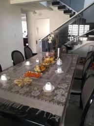 Linda mesa, para sua sala de reuniões ou jantar com 8 cadeiras medalhão