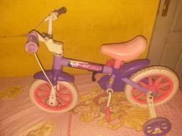 Bicicleta infantil (VENDE-SE OU TROCAS)