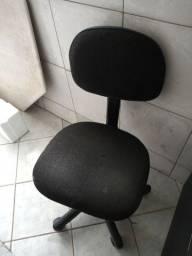 Cadeira secretaria com rodas