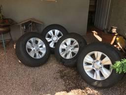 Rodas e pneus Hilux SRV