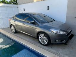 Ford Focus 2.0 automático - 35 mil km