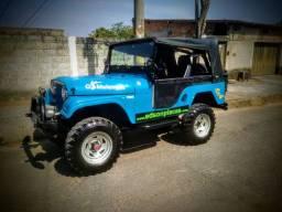 Jeep Willys 67 mecânica original 6cc 4x4 reduzida