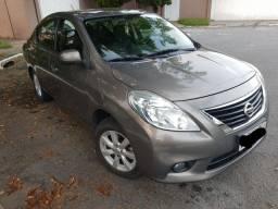 Nissan Versa 1.6 SL Flex completo