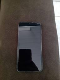 Vendo celular Moto G8 play Novo