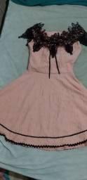 Vertido rosa de renda preta