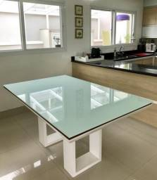 Laqueamento de mesa com adesivo