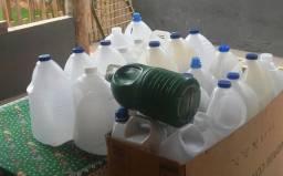 Galões de 5 litros