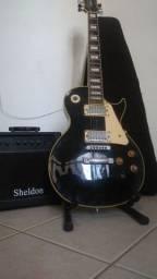 Guitarra Streinberg Modelo Les Paul Preta com Creme e acessórios