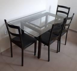 Mesa de jantar 6 lugares com tampo de vidro