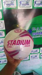 Bola de futsal costurada