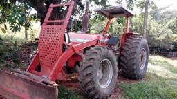 Trator Massey Fergusson 296 4X4 com lâmina