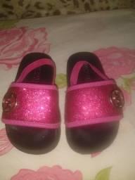 Sandália rosa com glitter