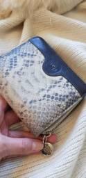 Carteira em couro legítimo pouco usada