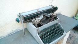 Maquina de escrever antiga (versão de colecionador) - Modelo 1