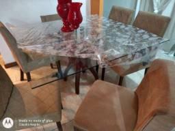 Mesa com 6 cadeiras sendo 2 poltronas...1000 reais
