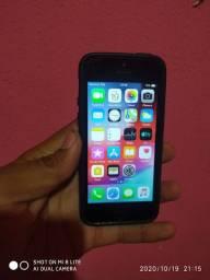 Vendo ou troco yphone 5 s Tudo ok vai com Carregador original