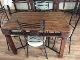 Lote de mesas rústicas