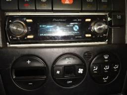 Toca CD Pioneer DEH-P9450UB - Grafico