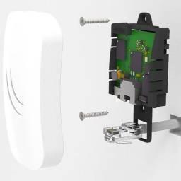 Roteador Mikrotik Routerboard 2.4Ghz com suporte para parede e teto cAP lite RBcAPL-2nD