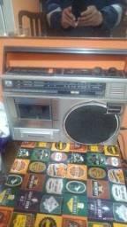 Radio gravador National pra decoração ou manutenção, não funciona