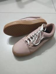 Tênis e bota feminino