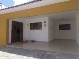 Oportunidade em Mangabeira 4 - Casa com ótimo acabamento e Reformada!