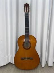 Violão Yamaha + case AVS + capotraste de metal + 3 palhetas D'Addarío