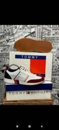 Vendo tênis new balance top e Tommy hilfiger ( 125 com entrega)