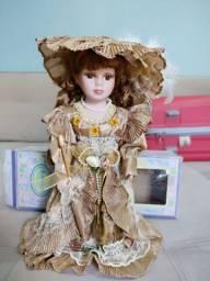 Bonecá esmeralda em porcelana original
