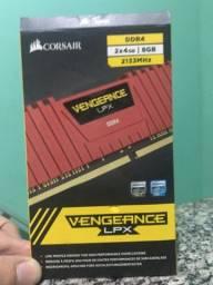 Memória CORSAIR DDR4 2 x 4 GB 2133MHz
