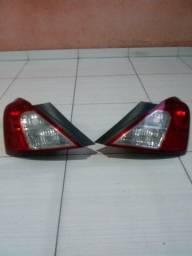 Lanterna traseira do Nissan versa